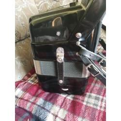 Elkavox 4 Voice Midi Piano Accordion 41Key 120 Bass Used