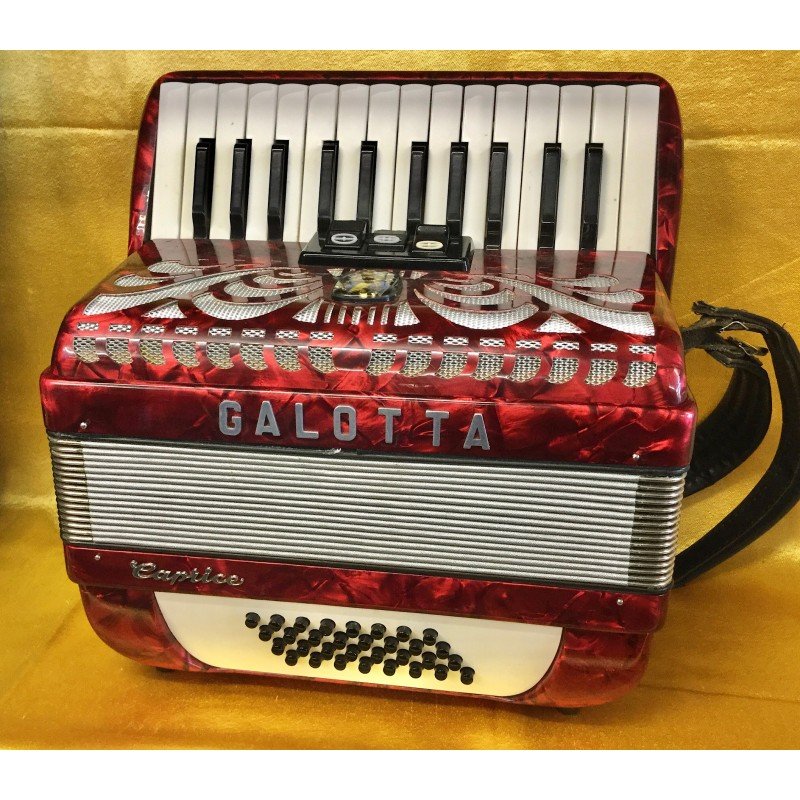 Galotta Caprice 26 key 32 bass compact accordion used