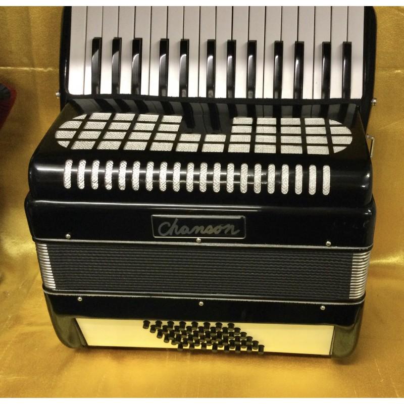 Chanson 30 key 48 bass accordion used