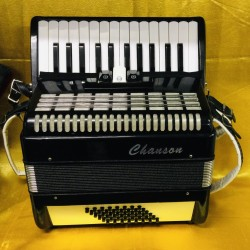 Chanson 26 key 48 bass accordion used
