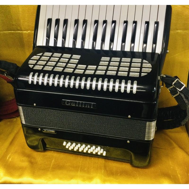 Gallini 30 key 24 bass piano accordion used