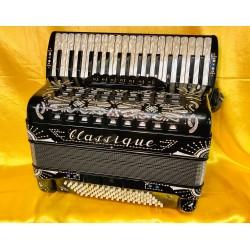 Classique IV Voice 37 Key 96 Bass Single Cassotto Scottish Musette Piano Accordion Used