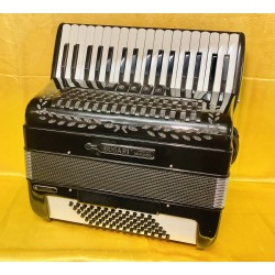 Bugari 34/72 bass 4 Voice Musette Accordion Used