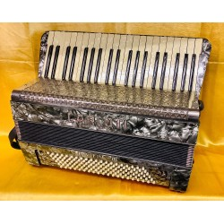 Carloti 1940s Vintage 3 Voice 41/120 Musette Piano Accordion Used