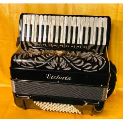Victoria Super 34 Key 72 Bass 4 voice musette Accordion Used